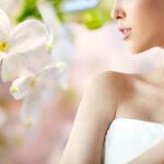 http://www.millardjewelers.com/wp-content/uploads/2013/04/beautifulwomanwithearringringandpendant@025x.jpg